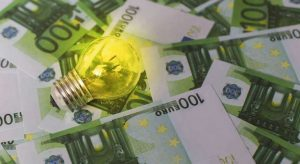 Price Of Electricity Falls This Saturday By 6%, To 110.14 Euros / MWh